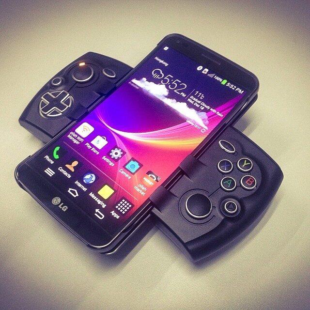 Phonejoy – rozsuwany kontroler do grania na smartfonach i tabletach