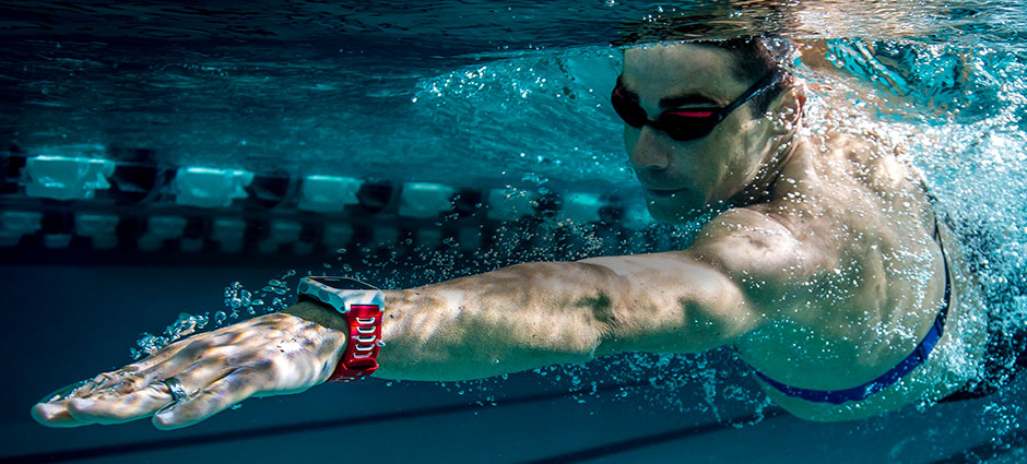 Garmin HRM-Swim we współpracy z naręcznym modelem Forerunner 920XT