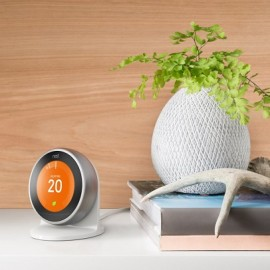 Europejski termostat Nest z modułem Heat Link pod bojler