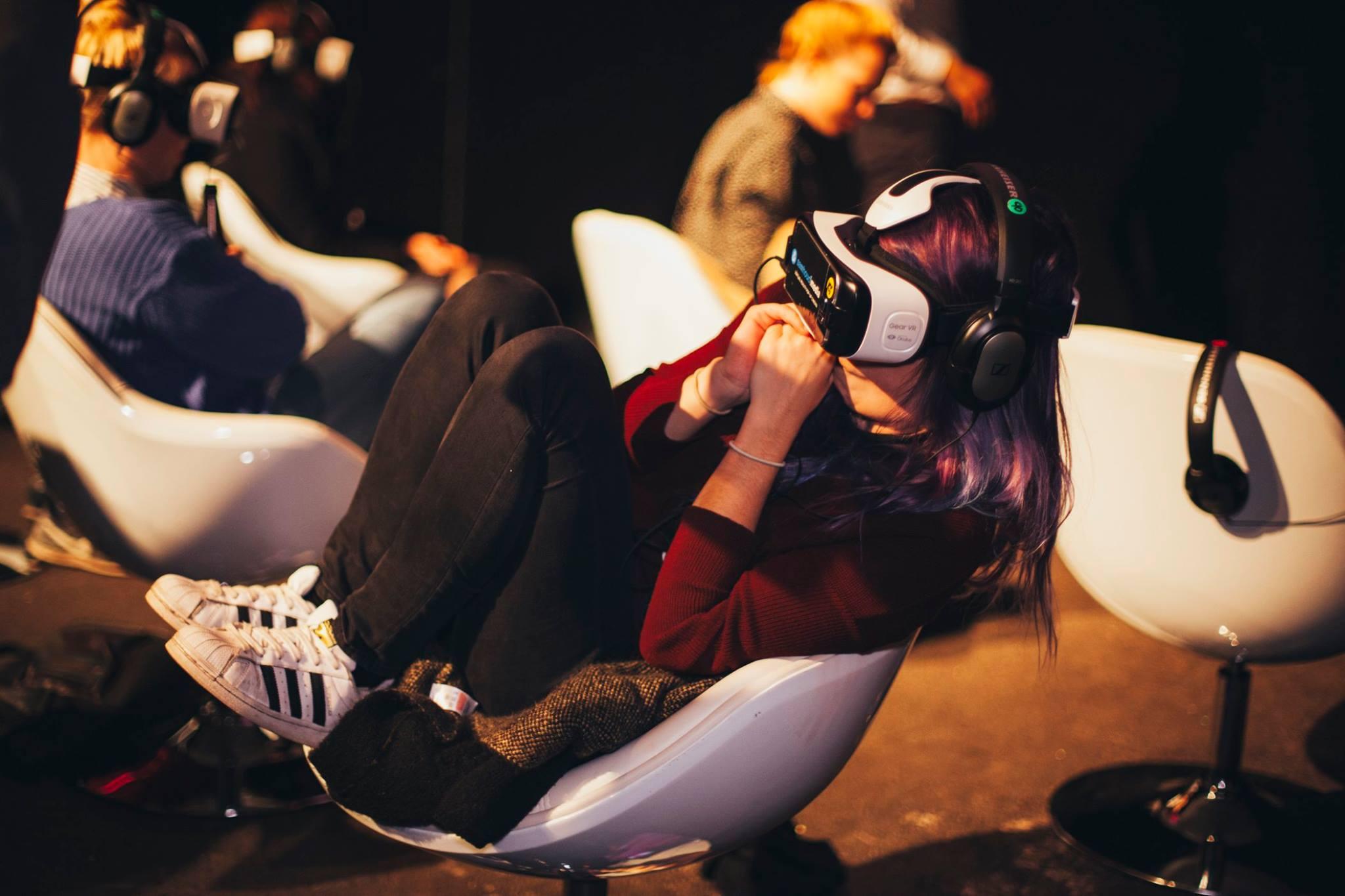 VR cinema (3)