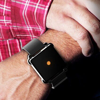 "Moment – ""smartwatch"" bez ekranu?"