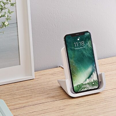 Logitech Powered Wireless Charging Stand