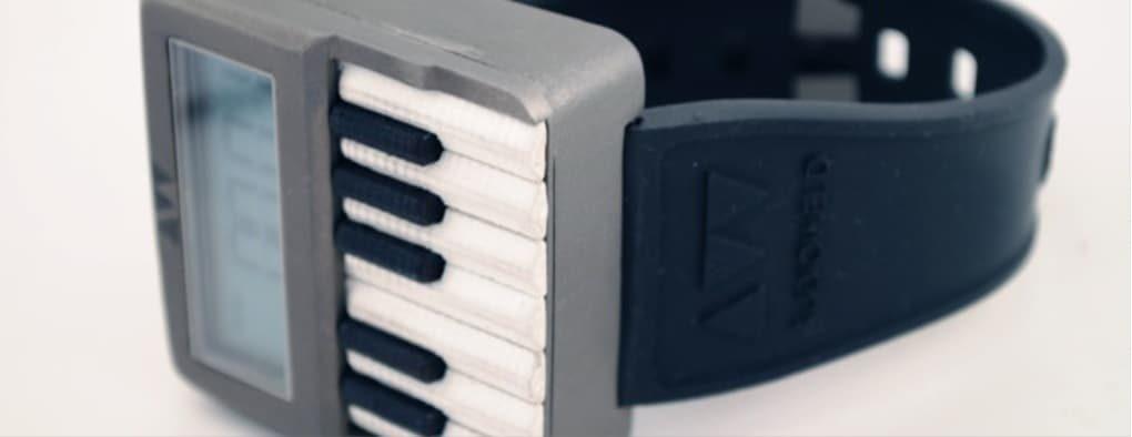 Synthwatch naręczny syntezator