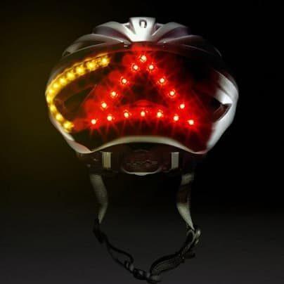 Lumos - lampka i kierunkowskazy w kasku