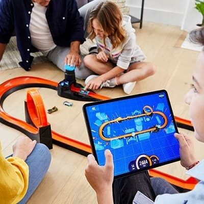 Hot Wheels Smart Track Kit z NFC