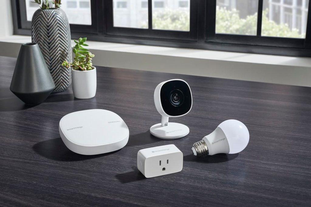 SmartThings Wifi Cam Plug Bulb