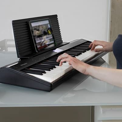 Roland GO:PIANO smart keyboard