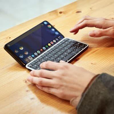 Astro Slide smartfon z klawiaturą