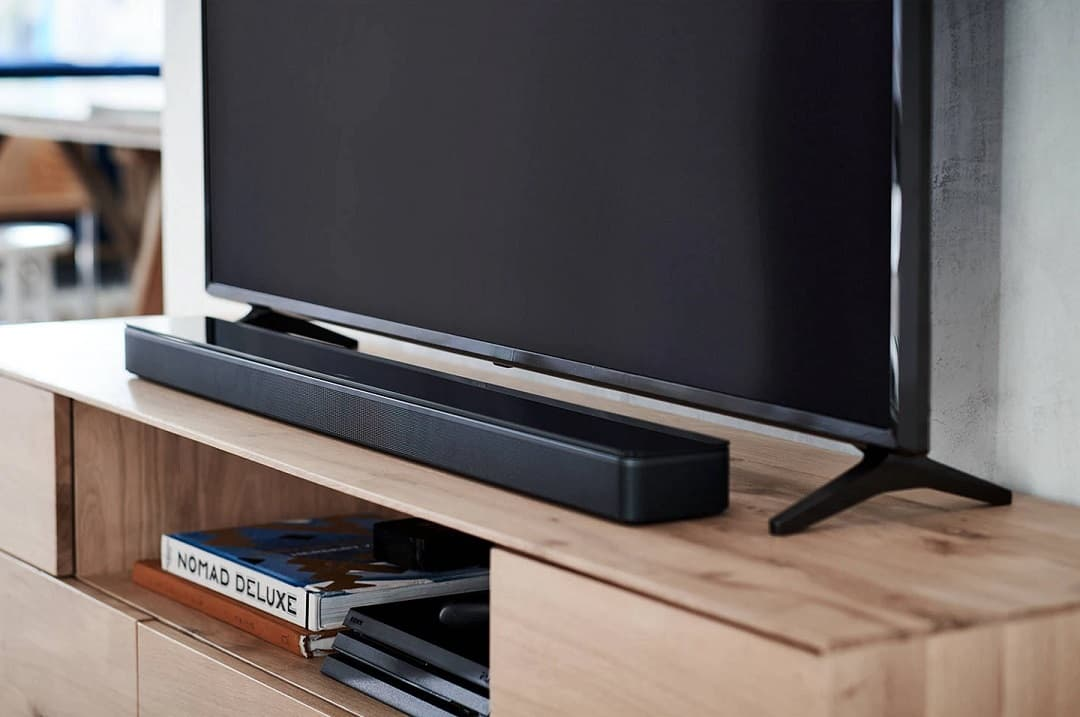 Bose Soundbar 700 z ADAPTiQ