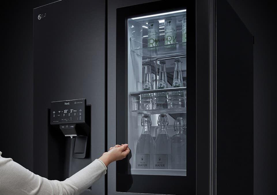 Smart lodówki LG InstaView 2021 z drzwiczkami na głos