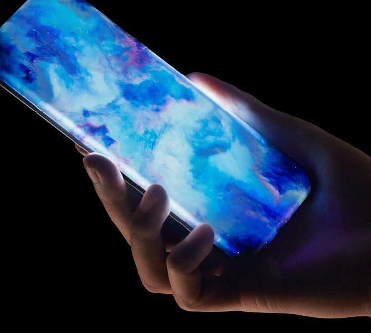 Waterfall Display z czterech stron smartfona Xiaomi