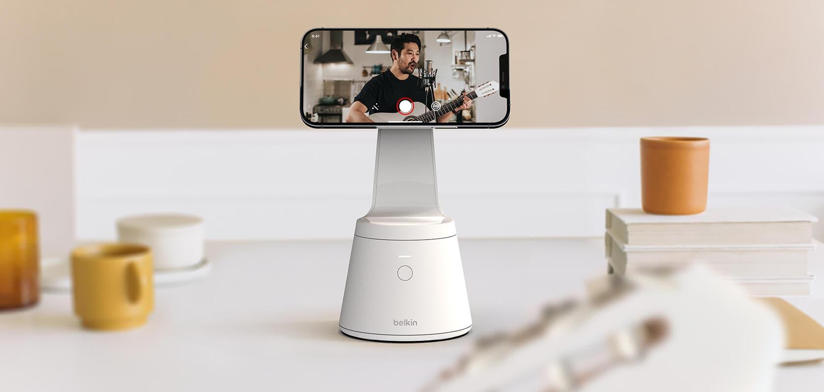 Belkin Magnetic Phone Mount Face Tracking stacja ze śledzeniem twarzy do iPhone'a 12