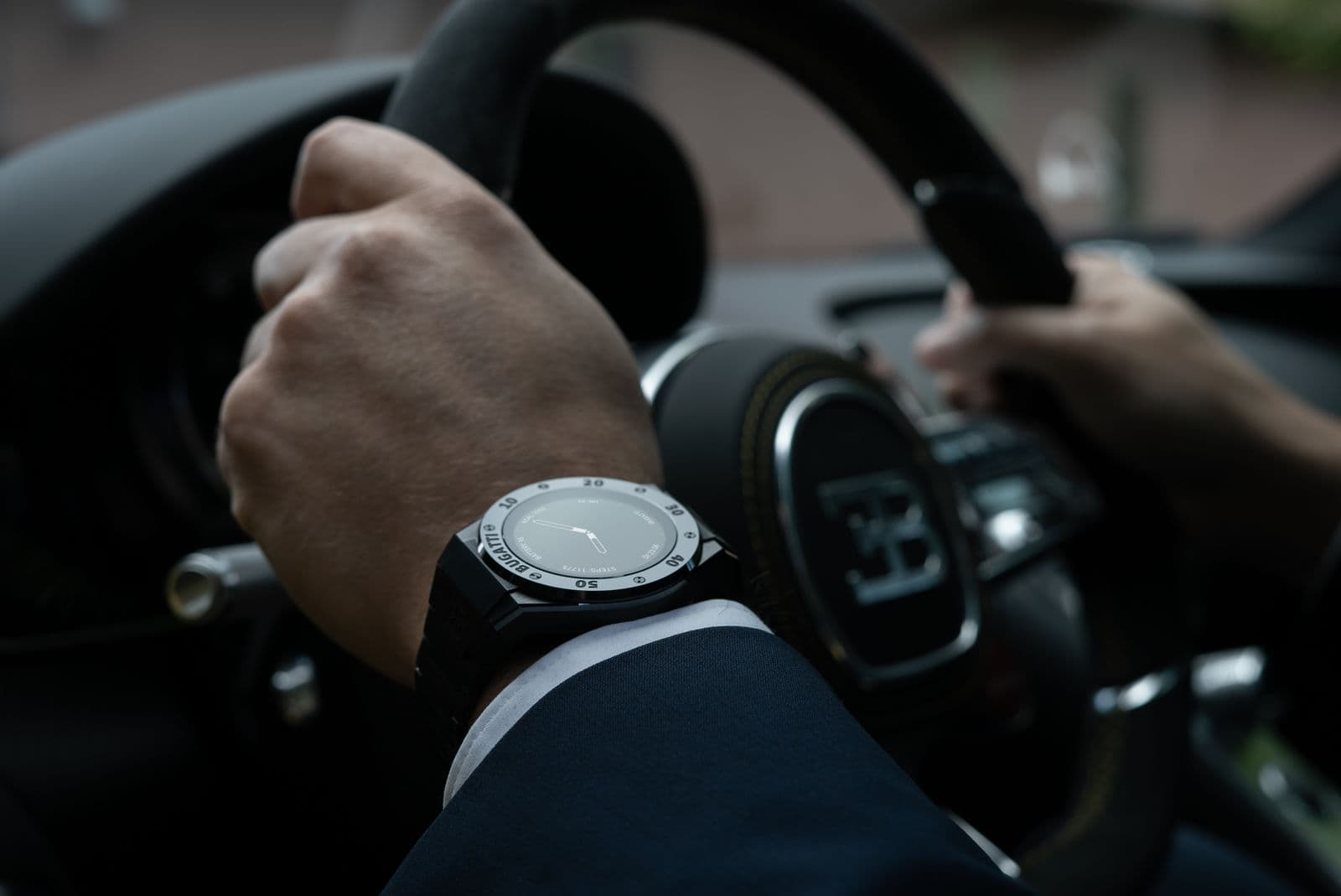 Bugatti smartwatch VIITA